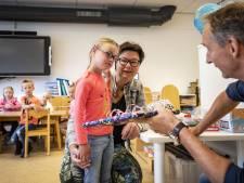 Moeder van Manou (6) reikt Passend Onderwijs Pluim uit: 'Wil dat mensen uit Ootmarsum weten wie ze is'