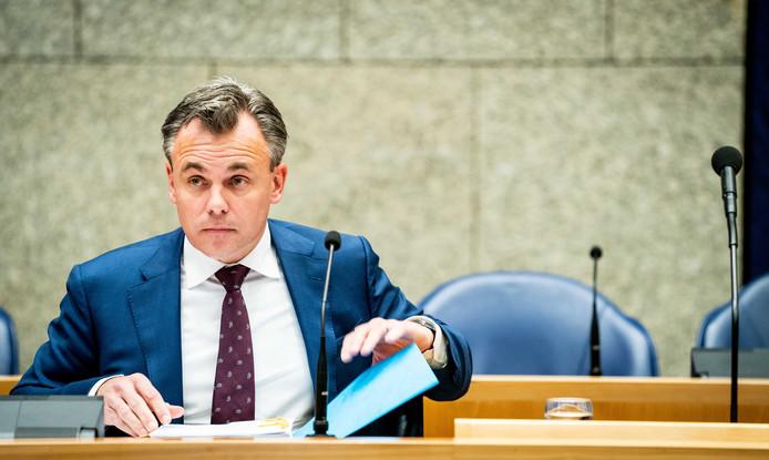 Staatssecretaris Mark Harbers van Justitie en Veiligheid tijdens een debat in de Tweede Kamer.