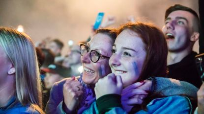 FOTOREEKS: 7.000 Racing Genk-fans uit de bol op Stadsplein