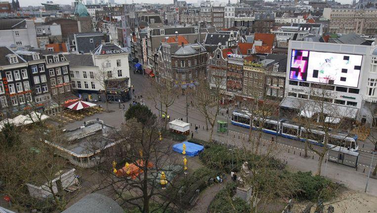 Het gebiedsverbod is sinds donderdagavond van kracht op het Rembrandtplein (foto) en Leidseplein. Foto ANP Beeld