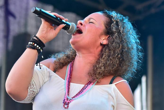 OMG-zangeres Elisjeba wist ook een aantal Big Rivers-kettingen te bemachtigen.