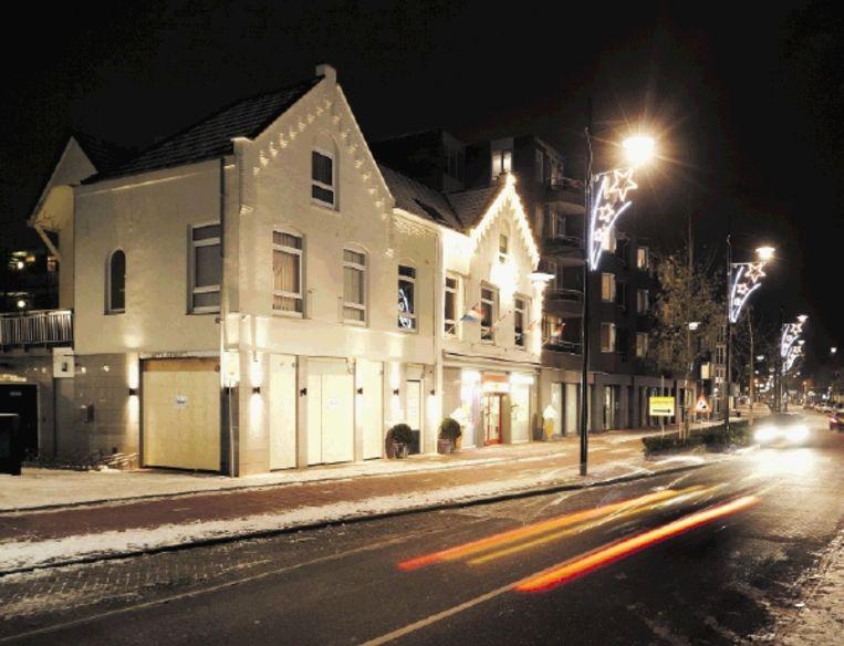 Carpe Diem in Helmond. De coffeeshop werd gesloten nadat twee mannen, vermoedelijk van een concurrerende shop, granaten naar binnen gooiden. (FOTO WIM HOLLEMANS, ANP) Beeld ANP