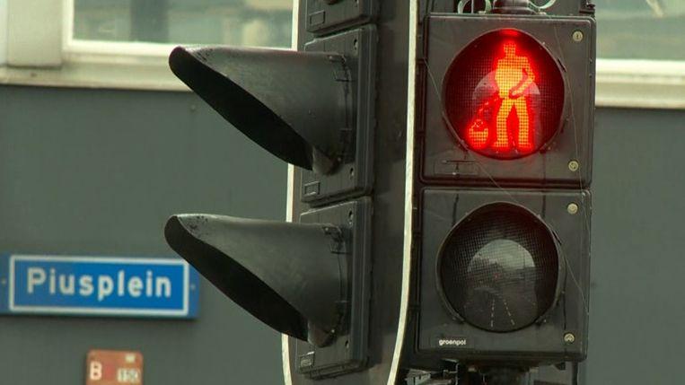 Het kruikenzeikersstoplicht in Tilburg Beeld Omroep Brabant