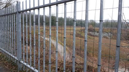 Detailfoto van het aangepaste hekwerk bij de Steengroeve Winterswijk.