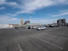 Parkeerplaats 'bezet' door tijdelijk terras? Dan gratis auto stallen op dak van de Molenpoort