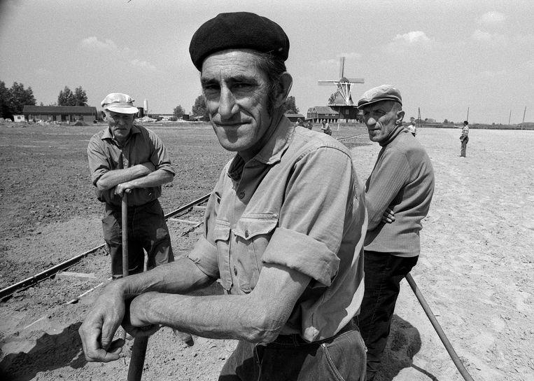 Aanvullende werkgelegenheid, uit 'Werkloosheid in Nederland nu', 1976 Foto Eddy Posthuma de Boer Beeld Eddy Posthuma de Boer