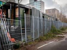Historische treinwagon wordt uit zijn lijden verlost: tweede leven in Spoorpark na fikse opknapbeurt