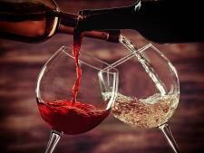 Wie thuis alcohol drinkt, schiet meestal flink uit met schenken