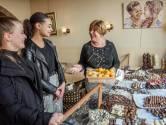 Oudste ondernemer Heuvelstraat breekt zijn heup, vrienden houden bakkerij open: 'Prachtig'