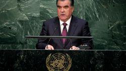 President Tadzjikistan vraagt burgers om lofzangen te stoppen: hij verschijnt te vaak in muziekclips