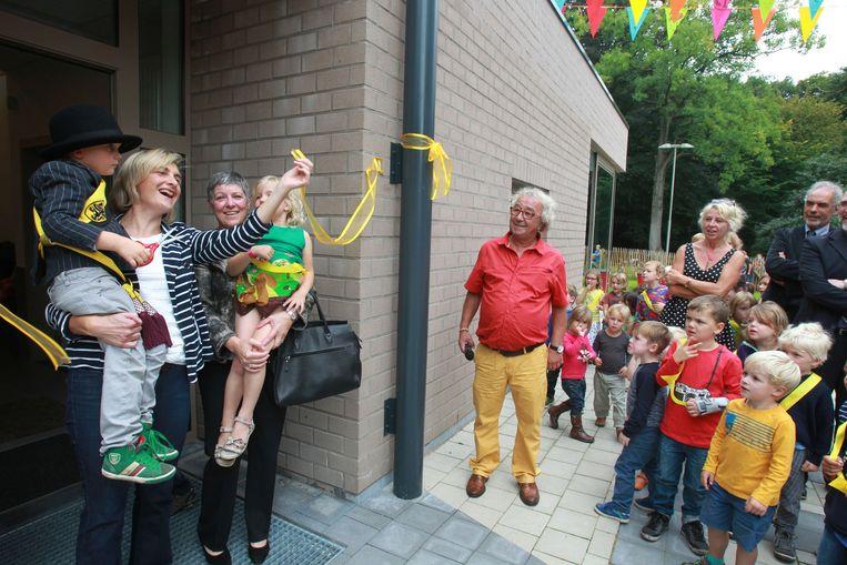 Minister Crevits opent klaslokalen in de Boomhut.