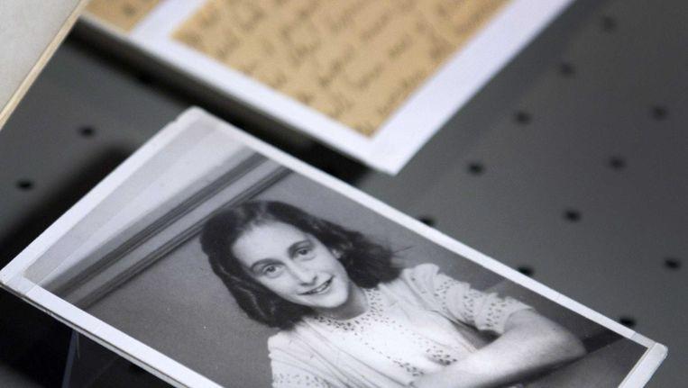 Foto's en brieven uit het archief van Otto Frank, de vader van Anne. Beeld EPA