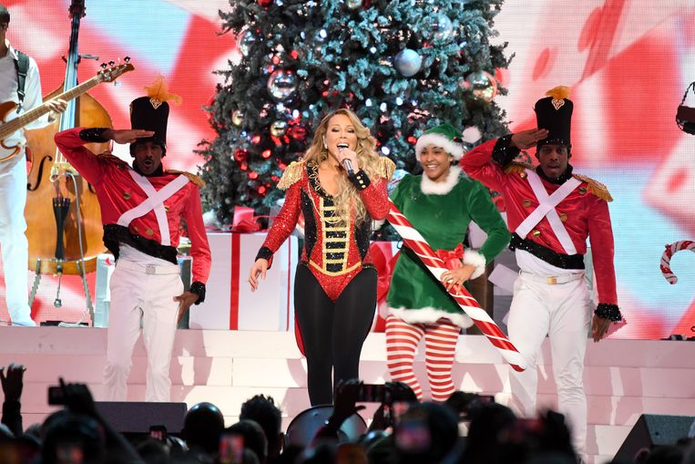 Mariah Carey deze week tijdens haar 'All I Want For Christmas Is You'- tour in New York. Beeld Getty Images for MC
