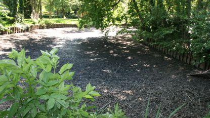 Opgepompt grondwater loopt naar droge parkvijver