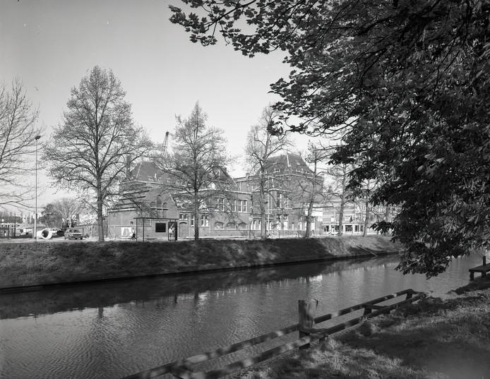 Overblijfsel van het Algemeen Ziekenhuis Utrecht in 1991.