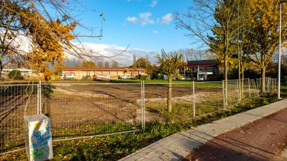 """Speeltuin aan sportcentrum nu al afgebroken: """"Terrein moest sneller bouwklaar zijn voor archeologisch onderzoek"""""""