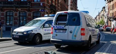 Le jeune qui avait volé l'arme d'un policier lors des émeutes à Anderlecht s'est rendu