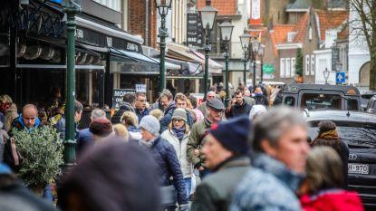 """Ook Nederland sluit cafés en restaurants na invasie Belgen: """"Dit virus stopt niet aan de grenzen"""""""