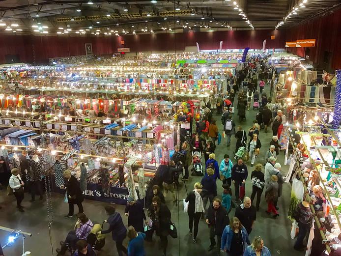Het Stoffen Spektakel in Zwolle trekt jaarlijks 15.000 bezoekers.
