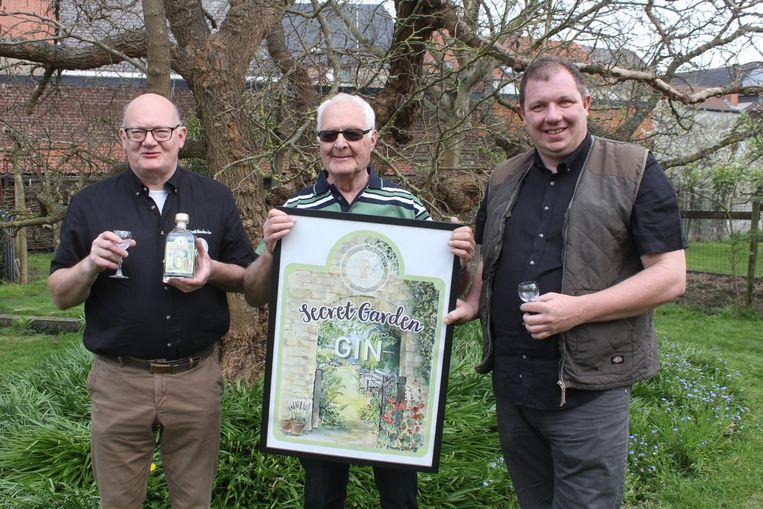 Paul Delil, Willy Keymeulen en Bart Verelst met de secret garden gin.