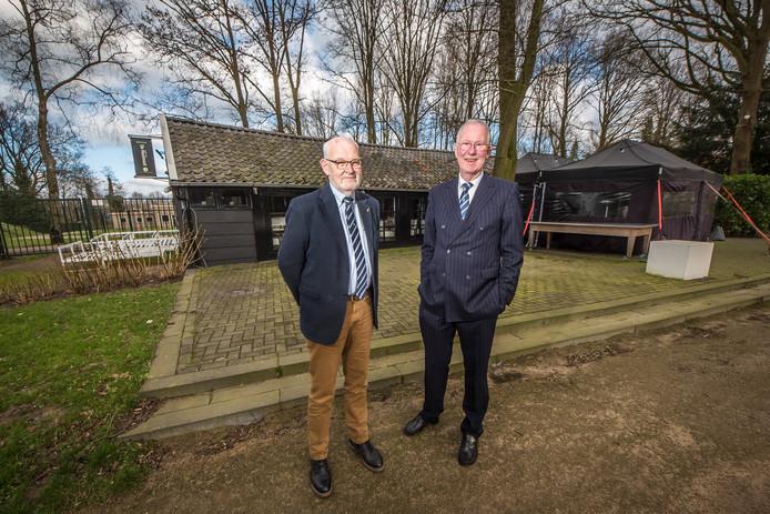 Voorzitter Frans van Haarlem (links) en secretaris Tom Koppen.