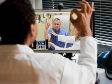 Patiënt hoeft niet meer naar ziekenhuis; artsen doen videoconsulten