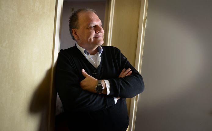 René Beunders, van Sociaal Hart Enschede wil vervolging afdwingen van de klachtencommissaris van de gemeente Enschede via een artikel- 12 procedure.