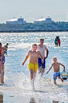 Zwemmers Hoek van Holland hebben geen weet van poepbacterie