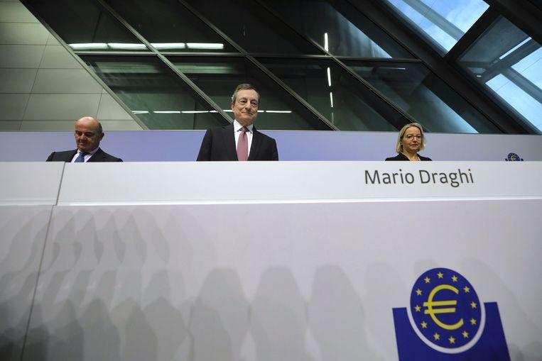 Mario Draghi tijdens de persconferentie. Beeld Bloomberg via Getty Images