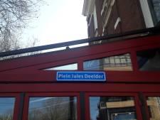 Mysterie: opeens hangt er een straatnaambord met 'Plein Jules Deelder'