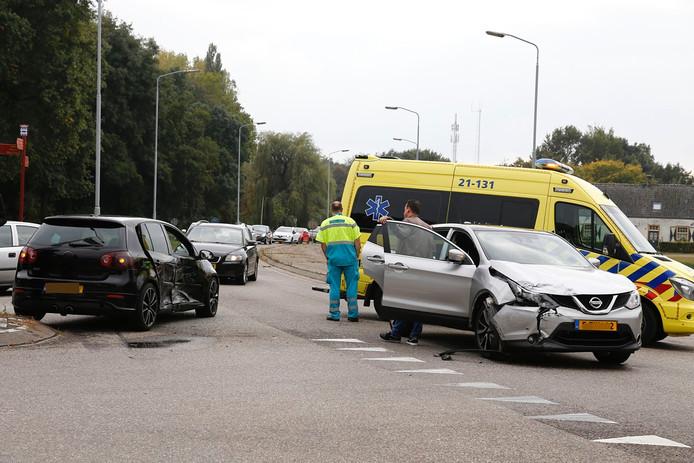 De auto's liepen schade op bij het ongeval.