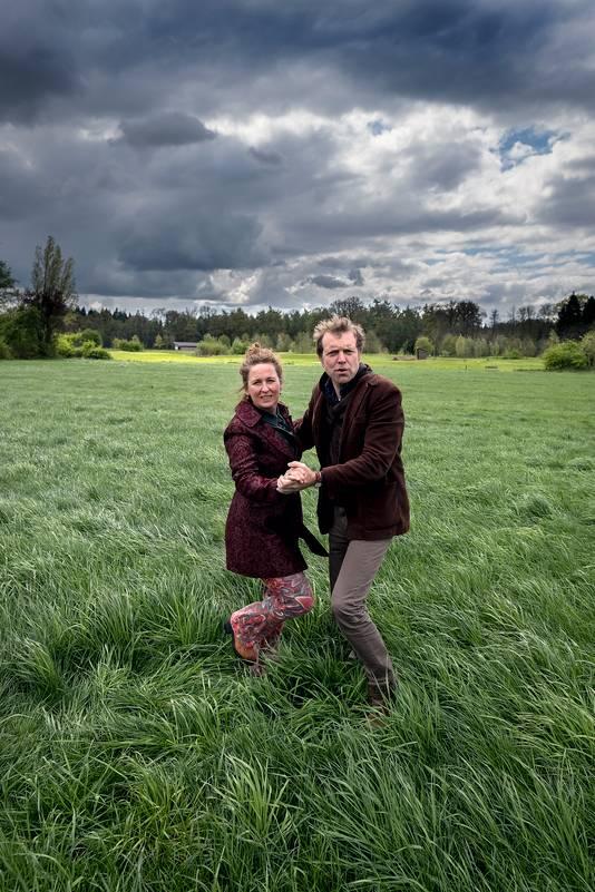 Jack en Lucy walsend door de Achterhoek. Foto: Jan van den Brink