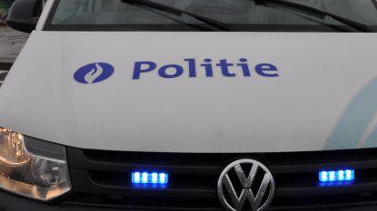 Aanrijding tussen twee personenwagens: twee passagiers lichtgewond