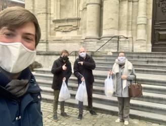 Jong CD&V brengt eten aan kot voor blokkende studenten met 'Tsjeeveroo'