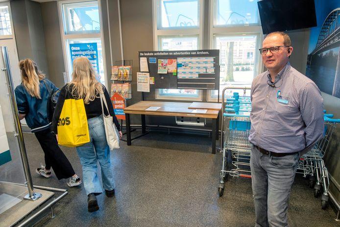 Supermarktmanager Robert Vroegop van Albert Heijn aan de Velperbuitensingel in Arnhem.