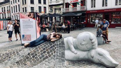 Als een echte toeriste: dochter van Phil Collins verkent Brussel en Antwerpen