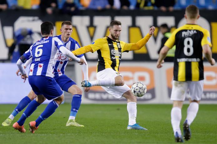 Tim Matavz in het duel met Heerenveen.
