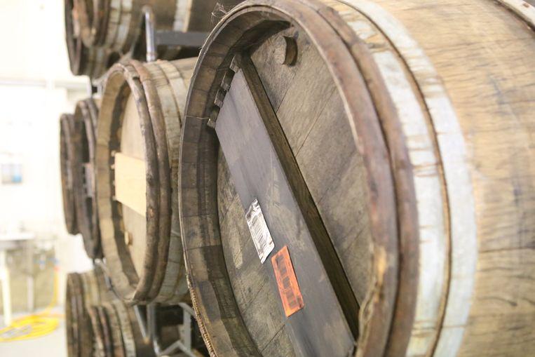 De whiskeyvaten waar Franky bier op gaat laten rijpen.
