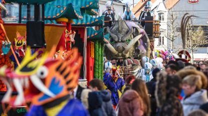 """Duizenden toeschouwers voor carnavalsstoet in Menen: """"Dankzij politieke circus was er inspiratie genoeg"""""""