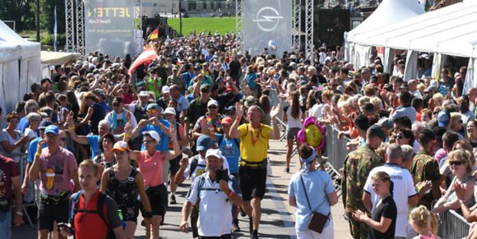 Al voor de 37ste keer loopt Petra Jansen-Schreven de Vierdaagse.