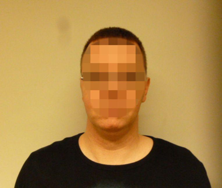 De ontsnapte tbs'er Ronald van Z. (40), die verdween tijdens een begeleid verlof in Nijmegen, is door de politie opgepakt in Parijs. Hij was sinds vrijdag voortvluchtig. .