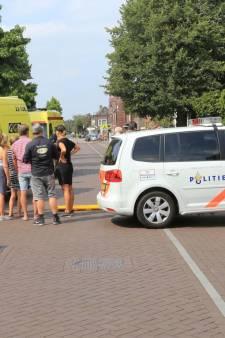 Fietser met traumahelikopter naar ziekenhuis na ongeluk in Liessel