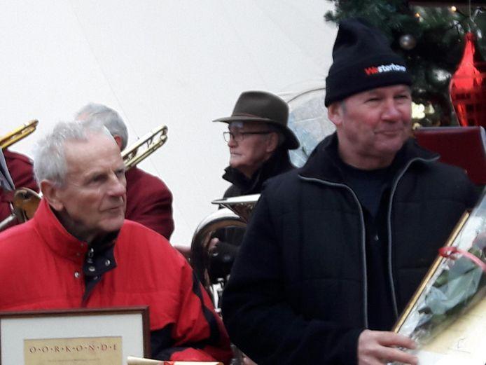 Twee oppermannen tijdens Westerhovens Winterfeest: Frans Adriaans en Henry van Beek (vlnr).
