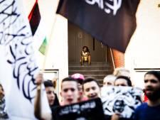 Er móést iets gebeuren aan de radicalisering, maar of het ook helpt?