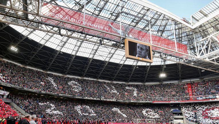 Een foto van Johan Cruijff in de Amsterdam ArenA voorafgaand aan de wedstrijd tegen PEC Zwolle. Beeld ANP