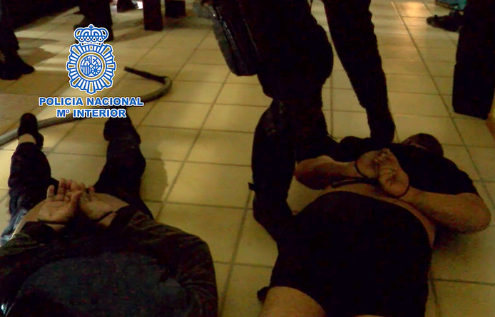 De Spaanse politie pakte in het onderzoek naar de drugsbende 43 verdachten op.