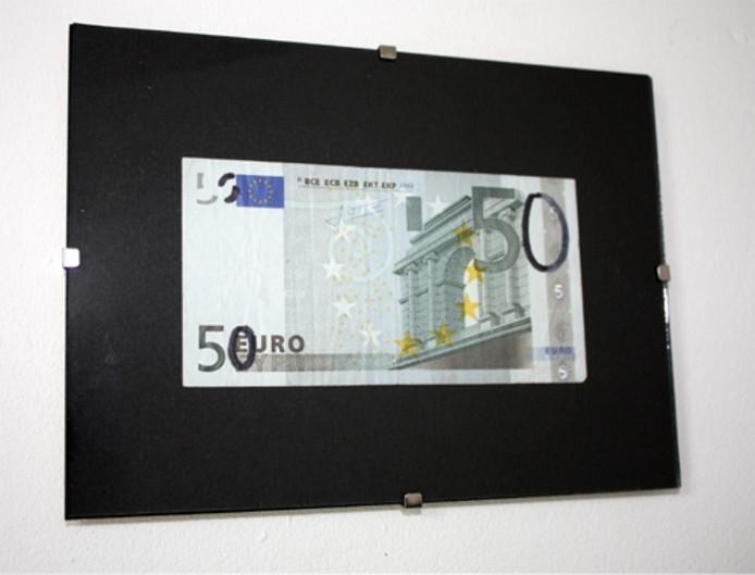 De vervormde eurobiljetten van Jasper van Es