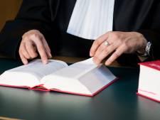 Taakstraf voor relatie met leerlinge Alphense school
