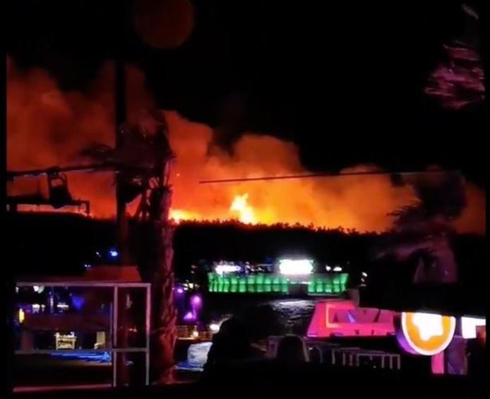 Vuurzee bij festival