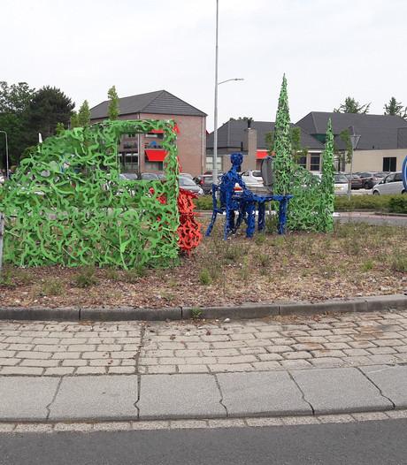 Duo loopt alle verkeersborden in gemeente Maasdriel na